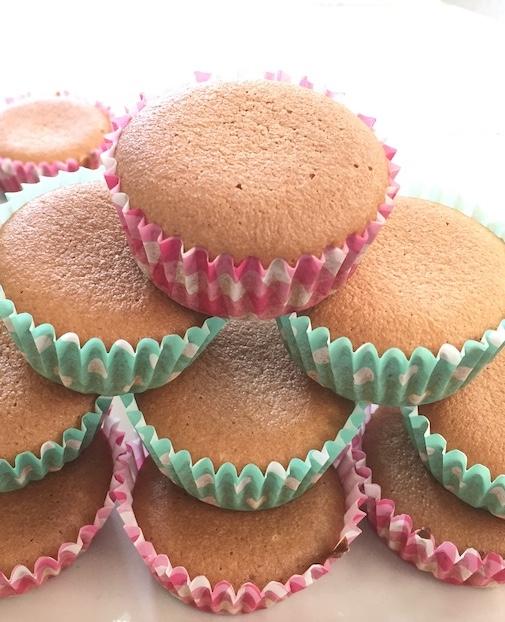 3-Ingredients Honey Almond Cakes